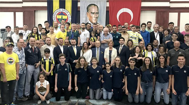 Fenerbahçe bayramlaştı