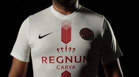 Antalyaspor yeni formalarını tanıttı