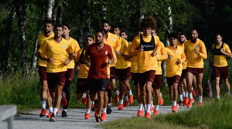 Galatasaray, göl kenarında koştu