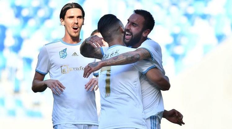 Slovan Bratislava avantajı kaptı