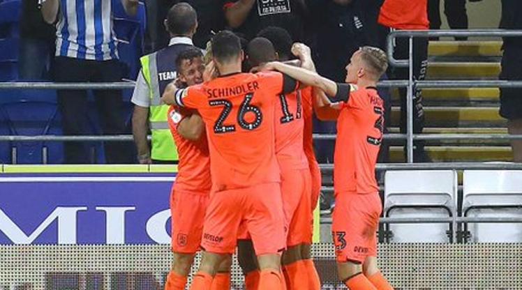 Huddersfield tarihinde bir ilk