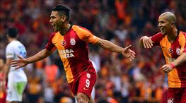 Galatasaray 100. galibiyet için sahada