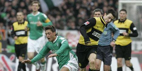 Werder'in zirve takibi sürüyor !..