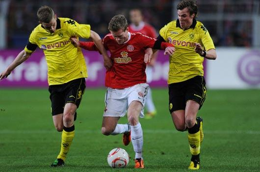 Dortmund tekliyor!