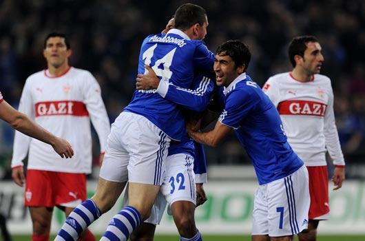 Schalke zirveye ortak