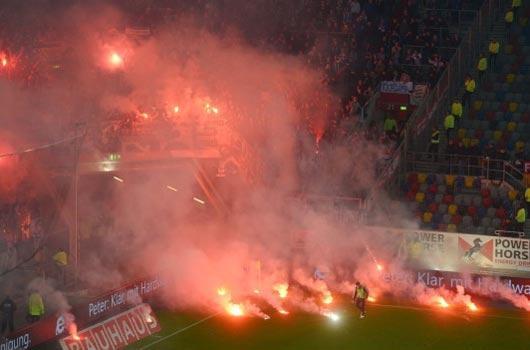 Alman kulüplerine ceza yağdı