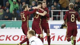 Rusya Litvanya'yı üçledi