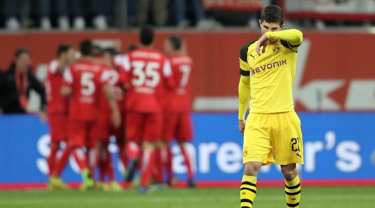 Dortmund'un apoletini söktüler