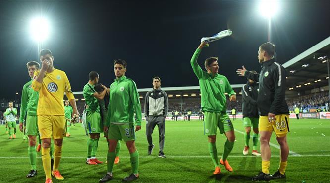 Yunuslu Wolfsburg Bundesliga'da kaldı
