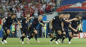 Tarihi maçta kazanan Hırvatistan! Rusya'dan dramatik veda!