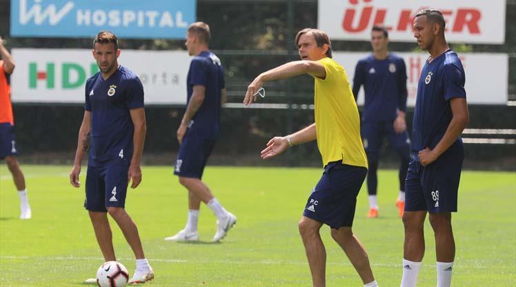 Cocu Fenerbahçe taraftarıyla buluşuyor