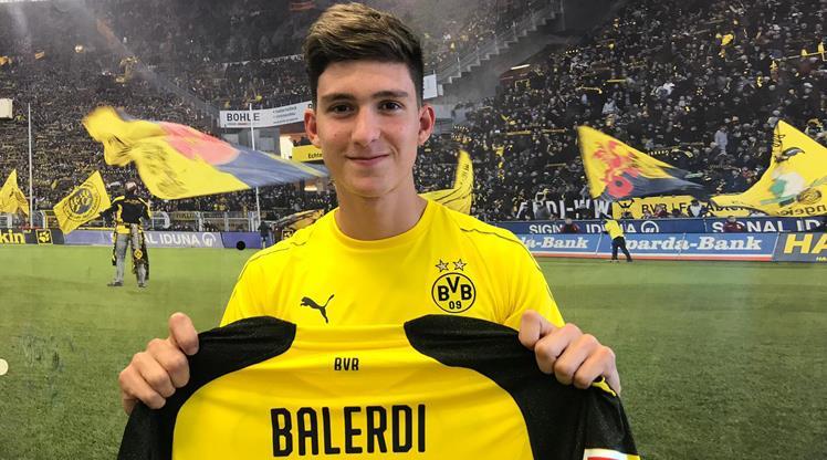 Borussia Dortmund, Leonardo Balerdi'yi transfer etti