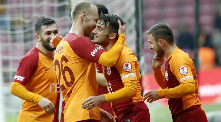 18'lik Aslan şov yaptı, Galatasaray güle oynaya turladı