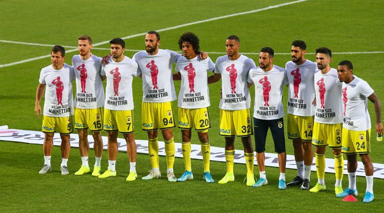 Fenerbahçeli futbolculardan Mehmetçik'e destek