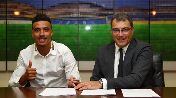 Fenerbahçe yıldız oyuncunun sözleşmesini uzattı