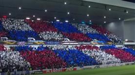 Rangers taraftarından bayraklı şov