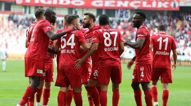 DG Sivasspor 10 sezon sonra zirvede