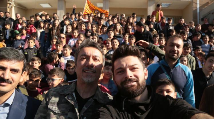 Y. Malatyasporlu oyuncular öğrencilerle buluştu