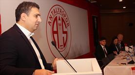 Antalyaspor'da yönetim ibra edildi