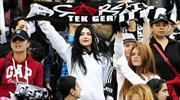 Beşiktaş'tan kadın taraftarlara jest