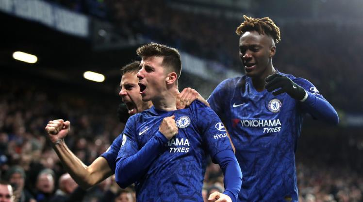 Chelsea'nin transfer cezası yarıya indi