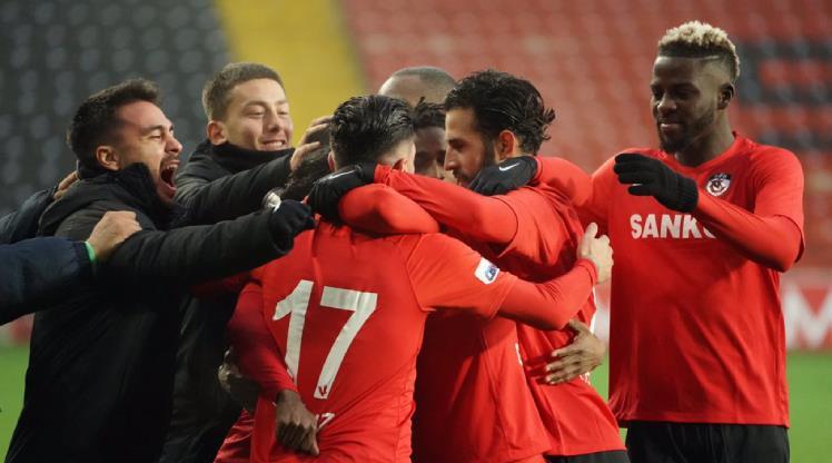 Gaziantep FK ilk yarıda beklentileri aştı