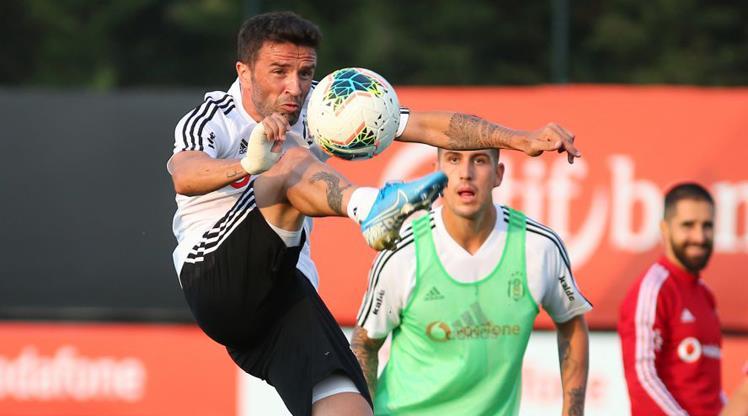 Beşiktaş, Ümraniyespor ile karşılaşıyor