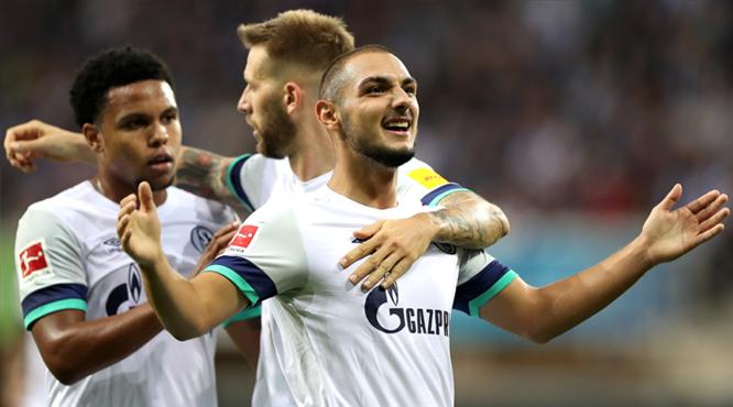 Ozan forma giydi, Schalke kazandı