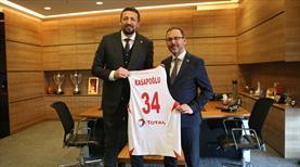 Bakanı Kasapoğlu'ndan Hidayet Türkoğlu'na ziyaret