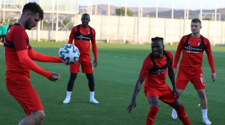 Sivasspor hazırlıklarını sürdürdü