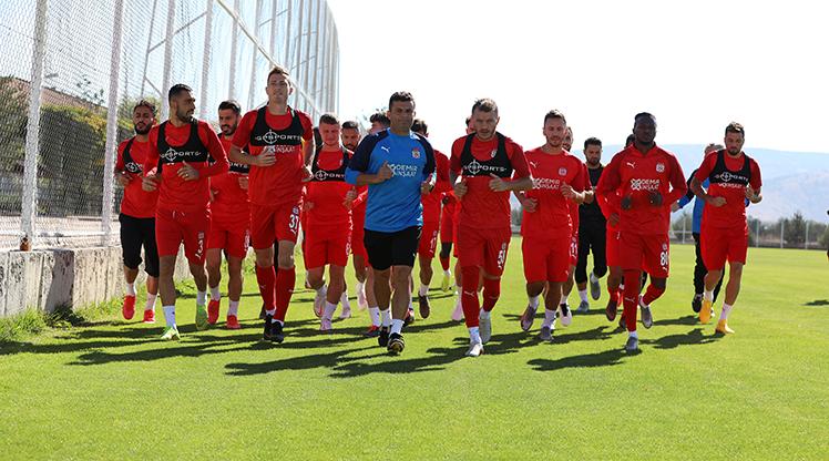 Sivasspor hazırlıklarını sürdürüyor