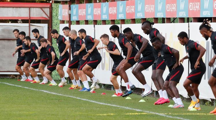Galatasaray'da Taylan takımdan ayrı çalıştı