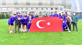 Başakşehir'den Türk bayraklı kutlama
