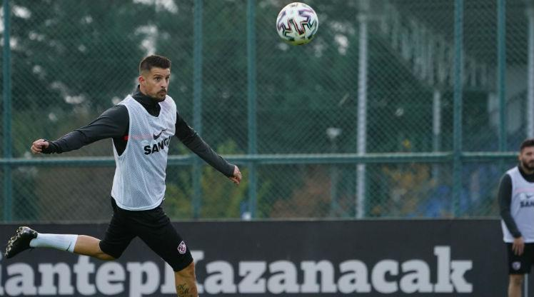 Gaziantep FK'da 3 oyuncu karantinada