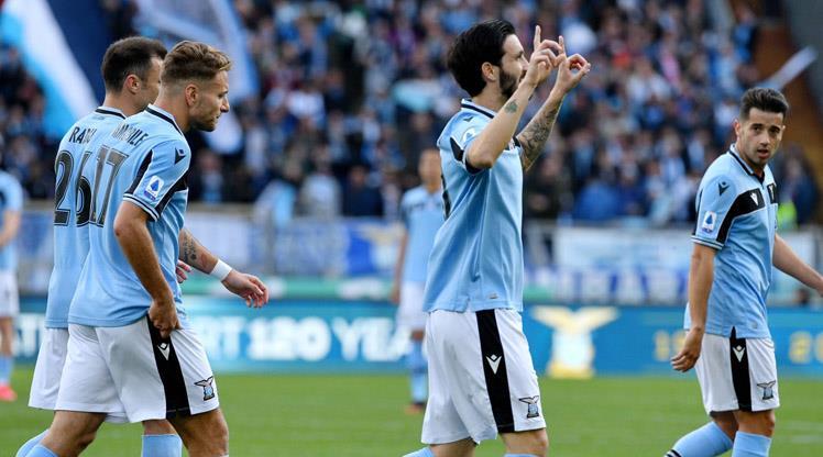 Lazio 20 yıl sonra lider