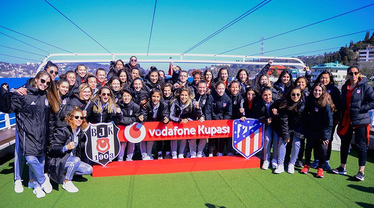 Beşiktaş - A. Madrid kadın takımları bir arada