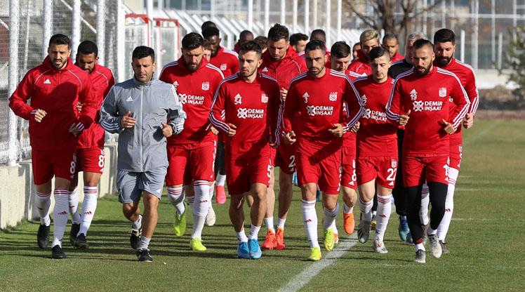Sivas'tan futbolculara yurt dışı yasağı