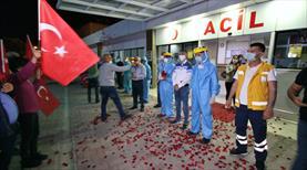Adana Demirspor taraftarından sağlık çalışanlarına destek