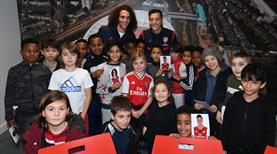 Mesut Özil İngiltere'de gündemde