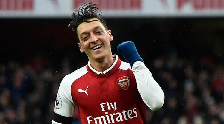 Mesut Özil'den örnek davranış