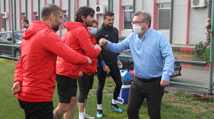 Eskişehirspor'da mesafeli bayramlaşma