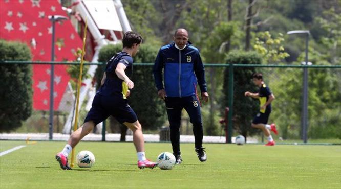 Fenerbahçe Riva'da toplandı