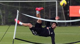 Beşiktaş ayak tenisi oynadı