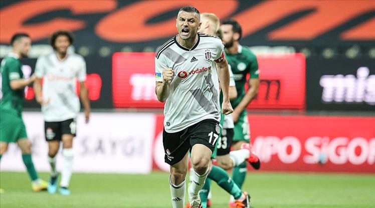 Burak Yılmaz Beşiktaş'ta enleri yaşıyor