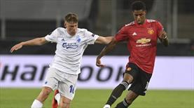 Manchester United uzatmalarda turladı (ÖZET)