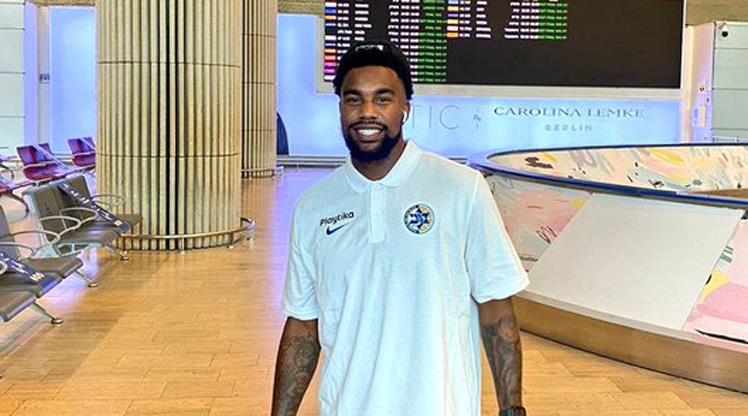 Chris Jones Maccabi'ye imzayı attı