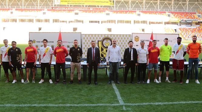 Yeni Malatyaspor'dan imza şov
