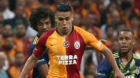 Galatasaray derbi kazanmakta zorlanıyor