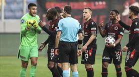 Kaleci Munir'e 4 maç ceza