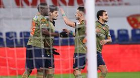 Medipol Başakşehir güle oynaya çeyrek finalde